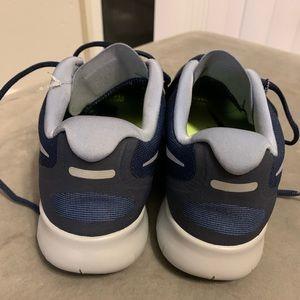 Nike Shoes - Nike rn free